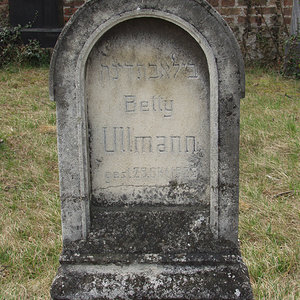 Ullmann Betty