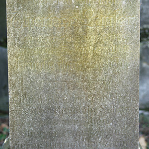 Tombstone in Hebrew 8